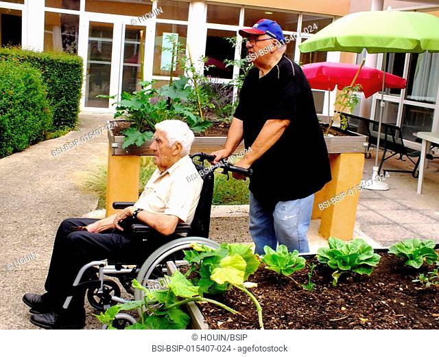 A centenarian arriving at hospital
