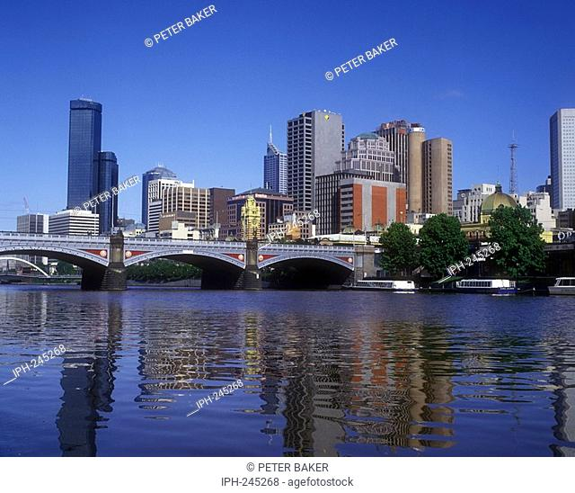 View of Princes Bridge spanning the Yarra River and the city skyline of Melbourne