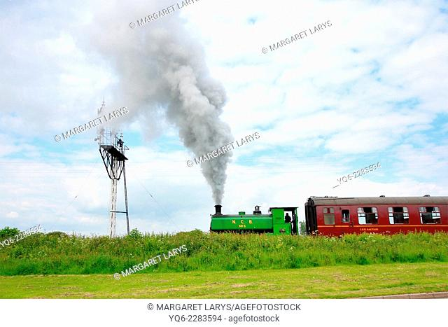 Steam train at the Bo'ness Kinneil Railway
