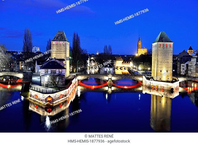 France, Bas Rhin, Strasbourg, old town listed as World Heritage by UNESCO, the Covered Bridges over the River Ill and Notre Dame Cathedral