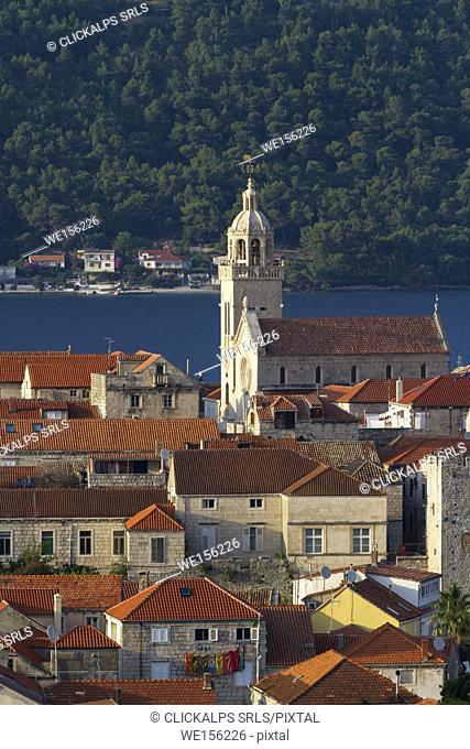 View of Korcula village and the Cathedral of Saint Mark (Korcula, Korcula Island, Dubrovnik-Neretva county, Dalmatia region, Croatia, Europe)
