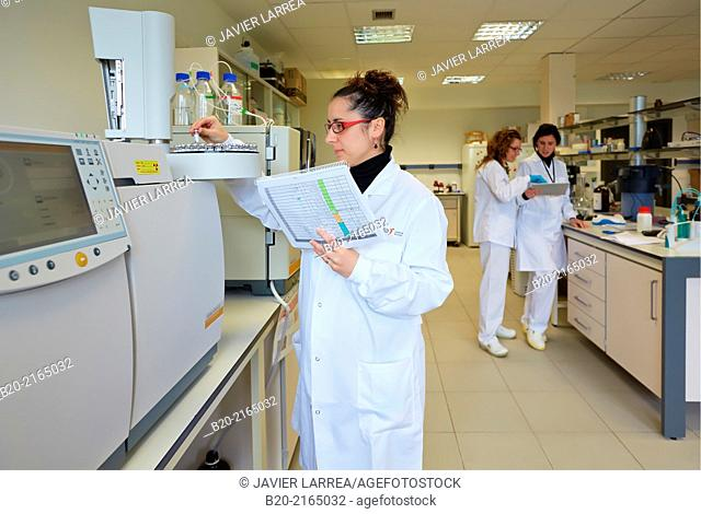 HPLC. High performance liquid chromatography. Polymer characterization. Biotechnology Laboratory. Energy and Environment Division