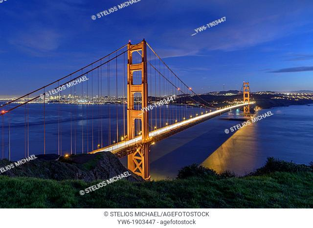 Golden Gate Bridge at dusk, San Francisco, USA