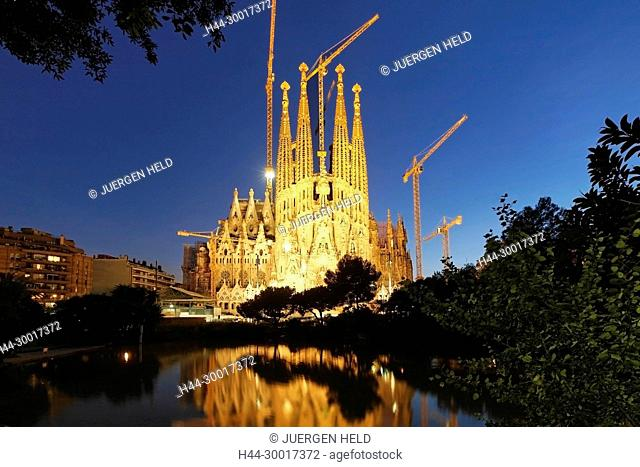 Spain, Catalonia, Catalunya, Barcelona, Sagrada Familia by Gaudi, Tower, Pinacles