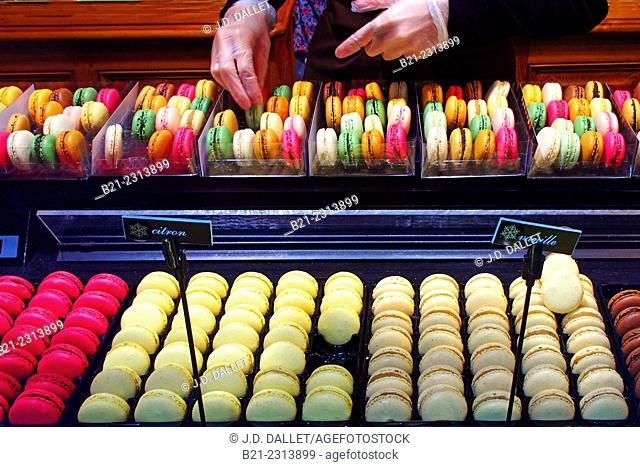 'Macarons' small cakes, a speciality of Bordeaux, Gironde, Aquitaine, France
