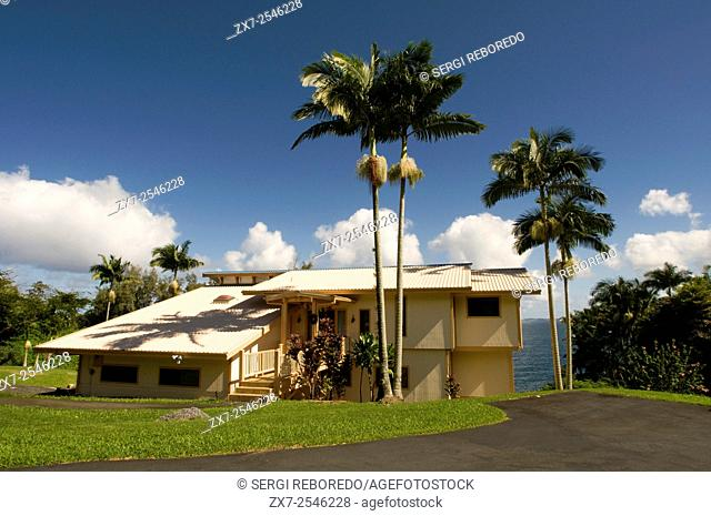 Typical houses in Panoramic Route Pepe'ekeo. Big Island. Hawaii. Pepe'ekeo scenic drive. The Pepeâ. . ekeo also known as the Onomea bay scenic drive is the most...