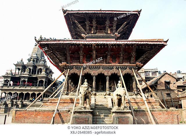 Nepal, Patan, Temple square