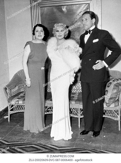 1935, Film Title: GOIN' TO TOWN, Pictured: PAUL CAVANAGH, LOUELLA O PARSONS, PARTY, PREMIERE. (Credit Image: SNAP/ZUMAPRESS.com)
