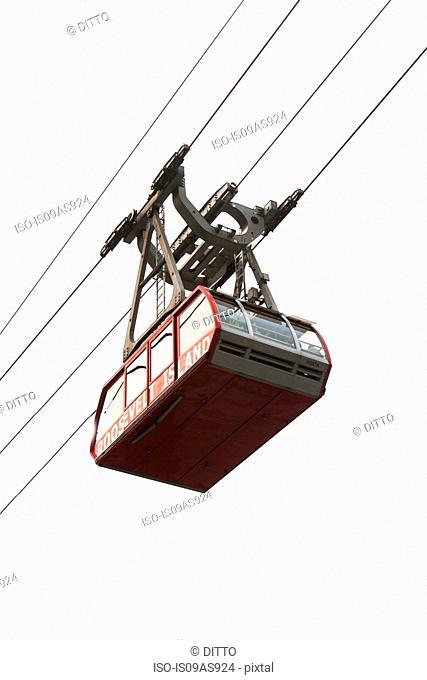 Overhead cable car, New York, USA