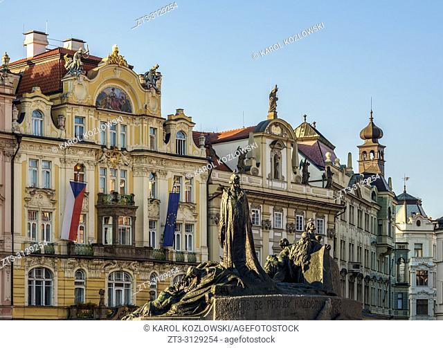 Jan Hus Monument, Old Town Square, Prague, Bohemia Region, Czech Republic
