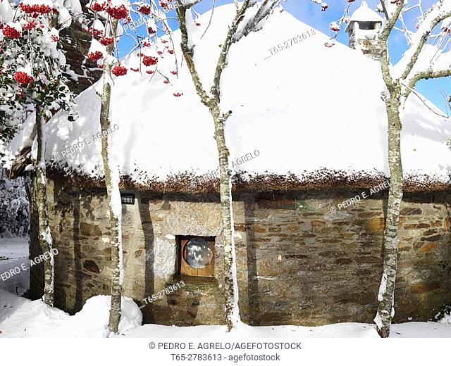 Snow in the village of O Cebreiro pallozas, Lugo. Tourist Resort high mountain. Sometimes the snow is permanent during the winter