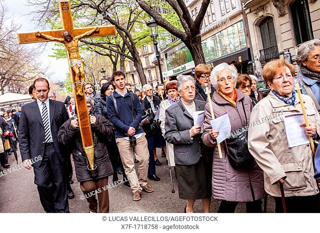 Representation, Way of the Cross, Good Friday, Easter week, from church of Sant Ramon de Penyafort to church of la Mare de Deu dels Angels, Rambla Catalunya