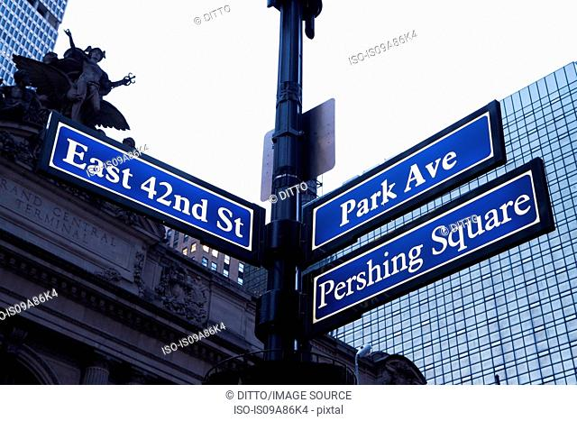 East 42nd St and Park Ave street signs, New York City, USA