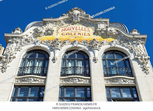 France, Allier, Moulins, large facade and dome of the Nouvelles Galeries Beaux-Arts style with mosaic tiles of 1914