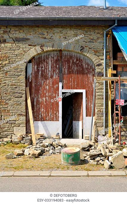 Rebuilding of a barn in the Belgian Ardennes