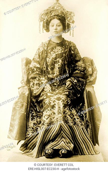 Viola Allen 1869-1948, American stage actress, in the dramatic spectacle by Pierre Loti and Judith Gautier, THE DAUGHTER OF HEAVEN, 1912