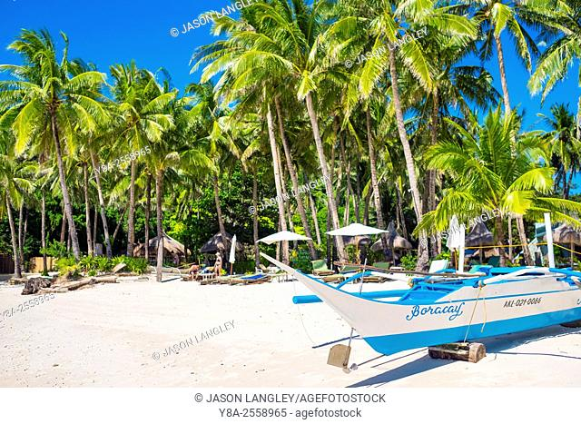 Otrigger bangka boats on the shore of Diniwid Beach, Boracay Island, Aklan Province, Western Visayas, Philippines