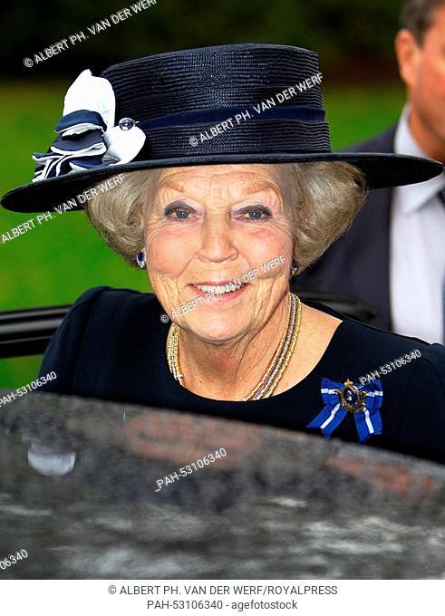 Apeldoorn, 24-10-2014 HRH Princess Beatrix HRH Princess Beatrix attends at Palace Het Loo in Apeldoorn the Wapendag of the Royal Military Police