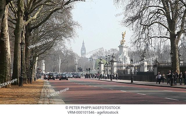 Urban scene near to Buckingham Palace in winter. London