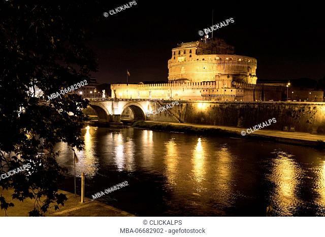 Europe, Italy, Lazio, Rome. Castel S. Angeloby night