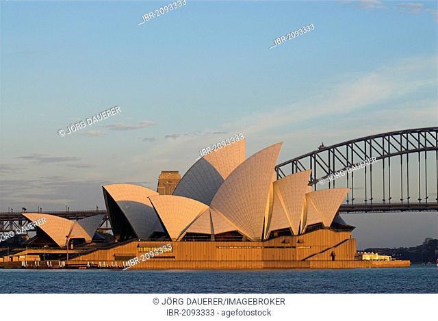 Sydney Opera House and Sydney Harbour Bridge, Sydney, New South Wales, Australia