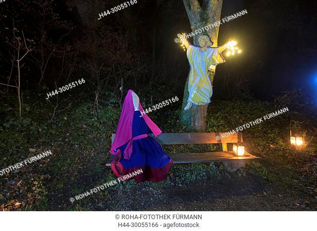 Bayern, Oberbayern, Berchtesgadener Land, Rupertiwinkel, Anger, Höglwörth, Hoeglwoerth, See, Laternenzauber, Laterne, Weihnachten, Brauch, Advent, Bank, Maria