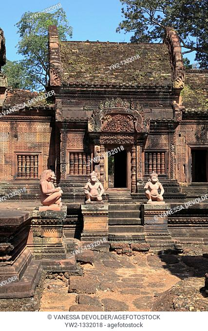 Banteay Srei is a Hindu temple dedicated to Shiva. It is one of the smallest sites at Angkor in Cambodia. November 2010. V10CAM0269RM