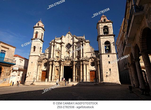 View to the Cathedral in Plaza de la Catedral-Cathedral Square, Havana Vieja, Havana, Cuba, West Indies, Central America
