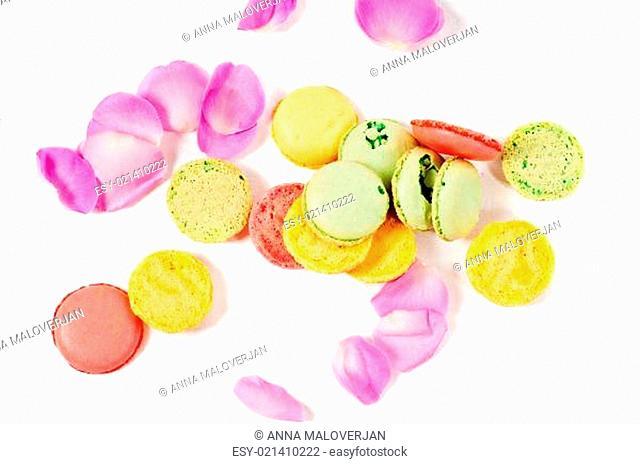 Rose petals and macaron cookies
