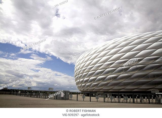 GERMANY, MUNICH, 09.07.2008, Forecourt of the Allianz Arena, the football stadium of the football club FC Bayern Muenchen in Munich