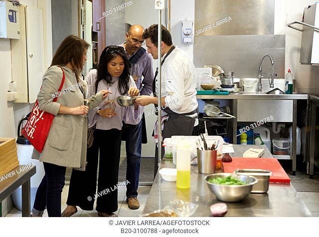 The chef Ismael Iglesias attending tourists, Wine and fish tasting at Restaurante Rita, Gastronomic tour, Donostia, San Sebastian, Gipuzkoa, Basque Country