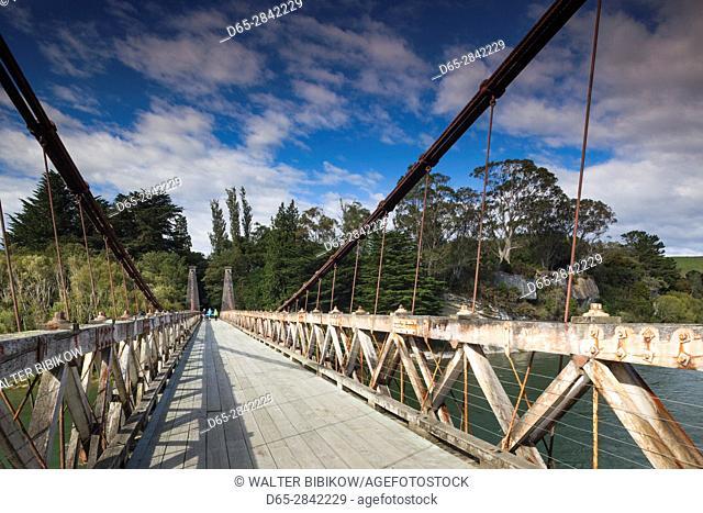 New Zealand, South Island, Southland, Clifden, Clifden Suspension Bridge, built 1899