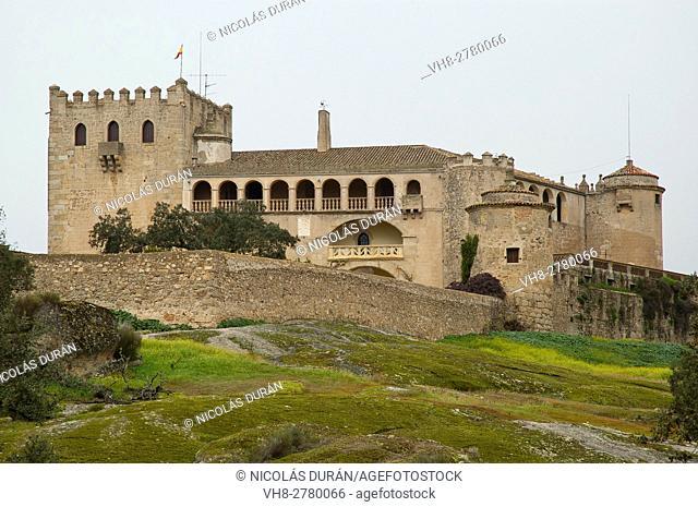 Piedrabuena castle. San Pedro range, San Vicente de Alcántara, Badajoz province, Extremadura region, Spain