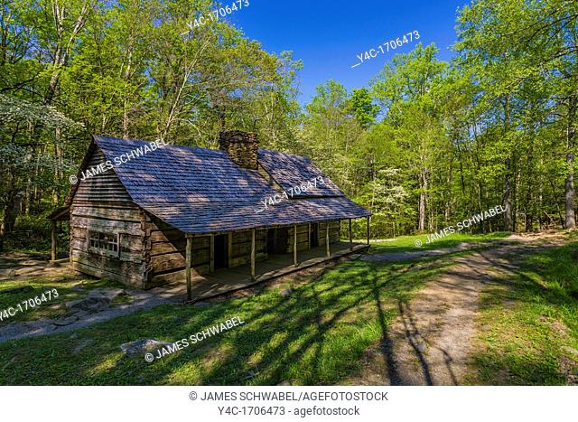 """Noah """"Bud"""" Ogle homestead and farm on the Roaring Fork Motor Nature Trail in the Great Smoky Mountains National Park in Tennessee"""