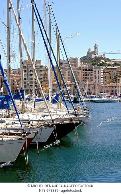 France, Marseille, le Vieux-Port, protégé par Notre Dame de La Garde