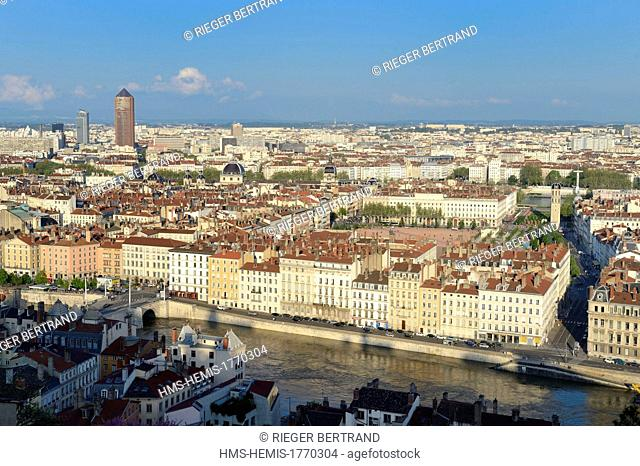 France, Rhone, Lyon, historical site listed as World Heritage by UNESCO, la place Bellecour in the district of La Presqu'Ile between the Saone and Rhone