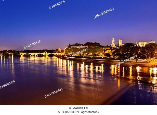 France, Provence, Vaucluse, Avignon, Rhône shore, old town, Pont Saint-Bénézet, Rocher-des-Doms, Papal palace, view from the Pont Edouard Daladier