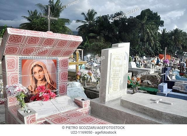 Dili (East Timor): the Santa Cruz cemetery