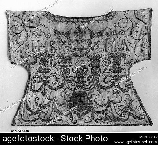 Statue robe. Date: early 16th century; Culture: French; Medium: Silk and metal thread on linen; Dimensions: 152 1/2 x 61 1/2in. (387.4 x 156