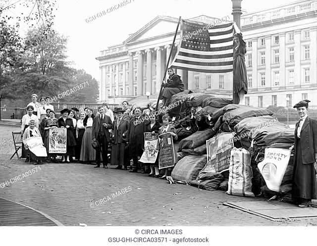 Group of People with Mail Bags Filled with Liberty Bonds in Support of Raising Funds for U.S. Involvement in World War I, Washington DC, USA, Harris & Ewing