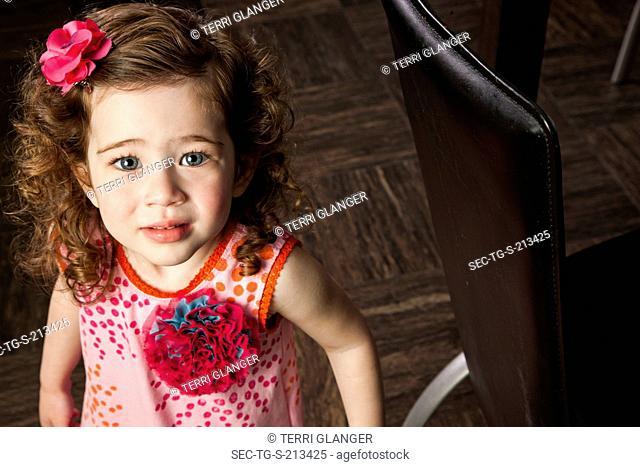 Portrait of little girl (4-5)
