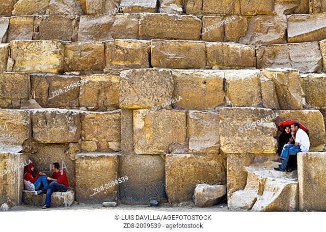 pyramids in cairo