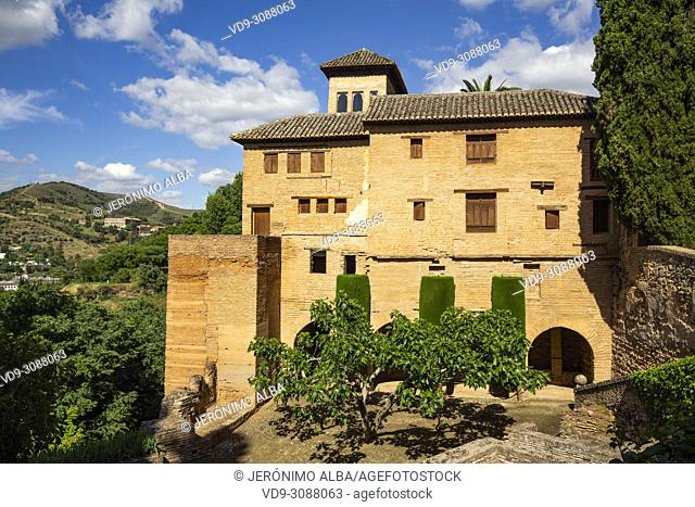 Torre de las Damas. El Partal, Nazaries palaces. Alhambra, UNESCO World Heritage Site. Granada City. Andalusia, Southern Spain Europe