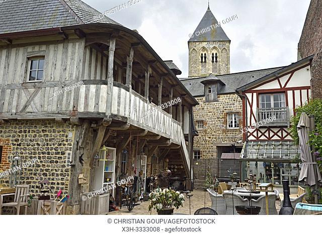 Le Relais Des Artistes, ancien Relais de Poste des XVI & XVII eme siecle, abrite aujourd'hui un magasin de decoration, mode et mobilier, Veules-les-Roses