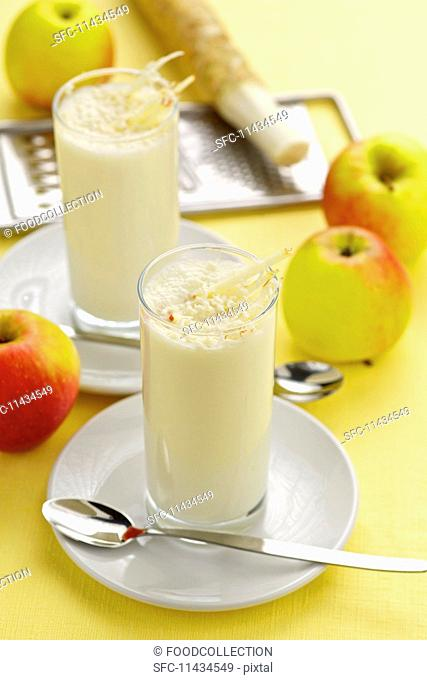 Apple smoothies with horseradish