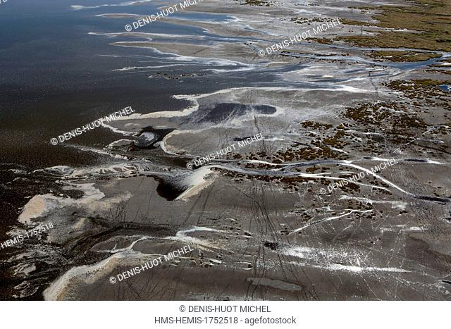 Kenya, lake Magadi (aerial view)