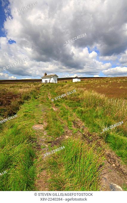 Shooting cabin off Snake Path on Middle Moor above Hayfield, Peak District National Park, Derbyshire, England, UK