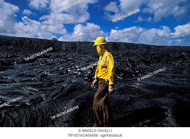 USA, Hawaii, Big Island, Volcano, National Park, Puna Coast, ranger on the lava