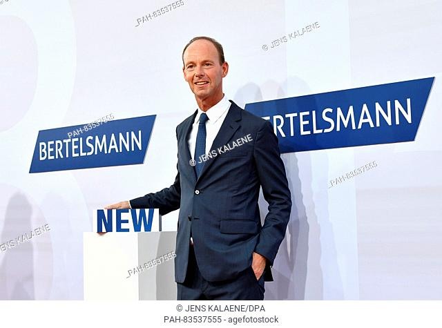 CEO of Bertelsmann, Thomas Rabe, arrives to the Bertlsmann Party in Berlin,Germany, 08 September 2016. Photo:JENSKALAENE/dpa | usage worldwide