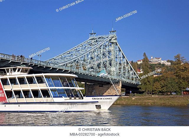 The Elbe bridge 'Blaues Wunder' between Blasewitz and Loschwitz, Dresden, Saxony, Germany